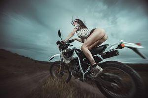 Фото бесплатно девушка, мотоцикл, скорость