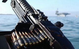 Заставки пулемет,патроны,лента,море,корабль,авианосец