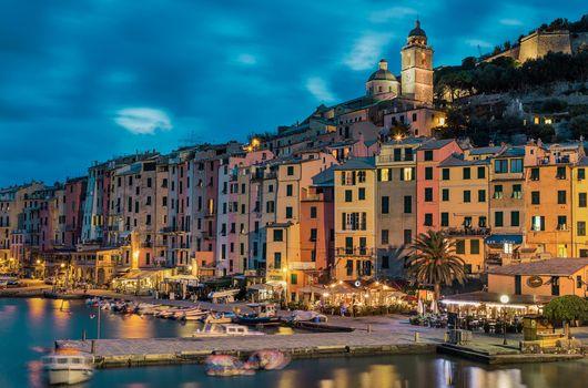 Фото бесплатно Порто Венере, расположен на Лигурийском побережье Италии в провинции Ла-Специя