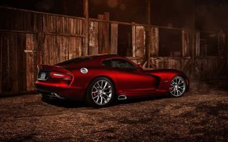 Фото бесплатно Dodge Viper, вишневый