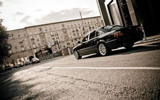 Бесплатные фото бмв,черная,фонари,диски,дорога,автомобили,улица
