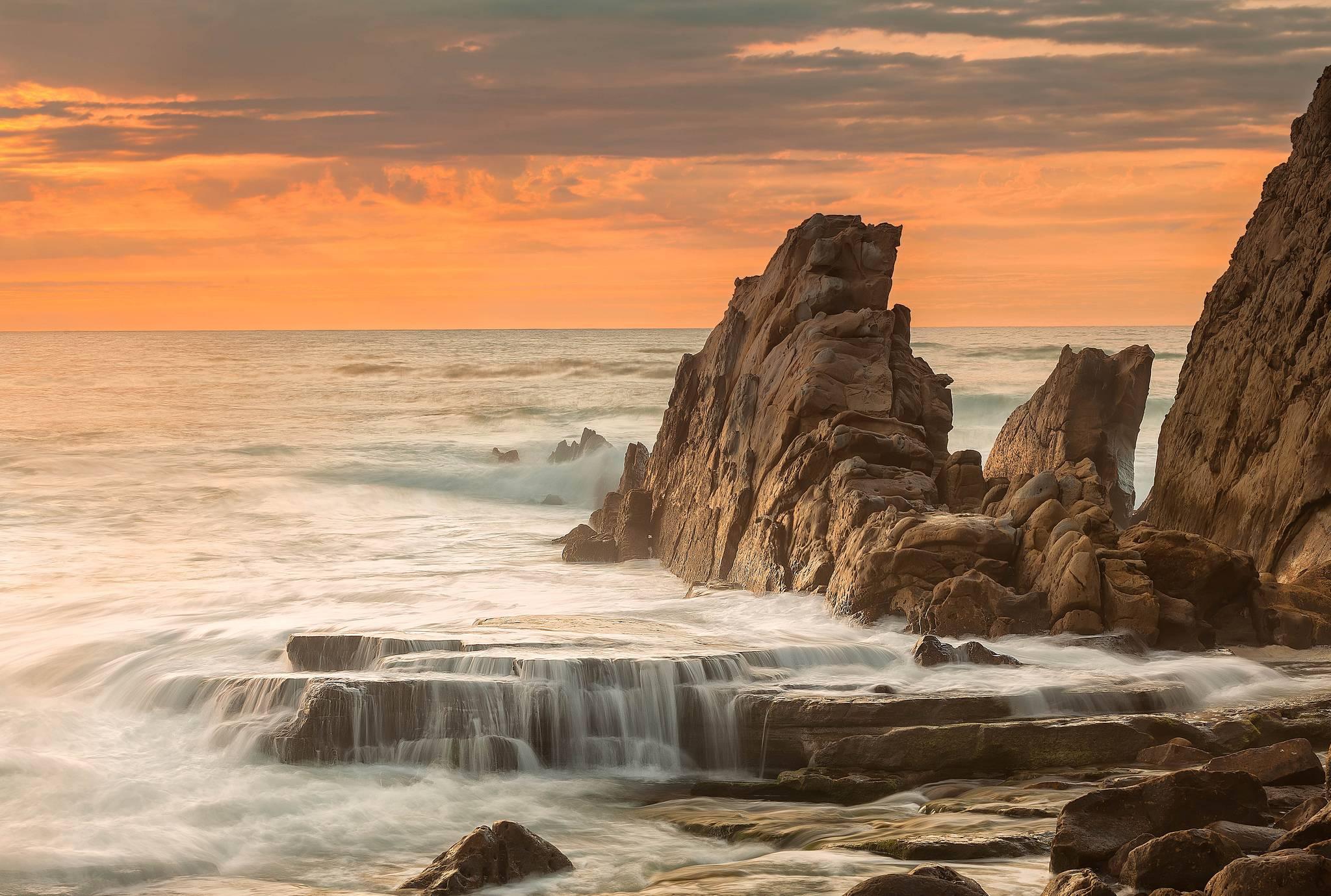 скалы в море бесплатно