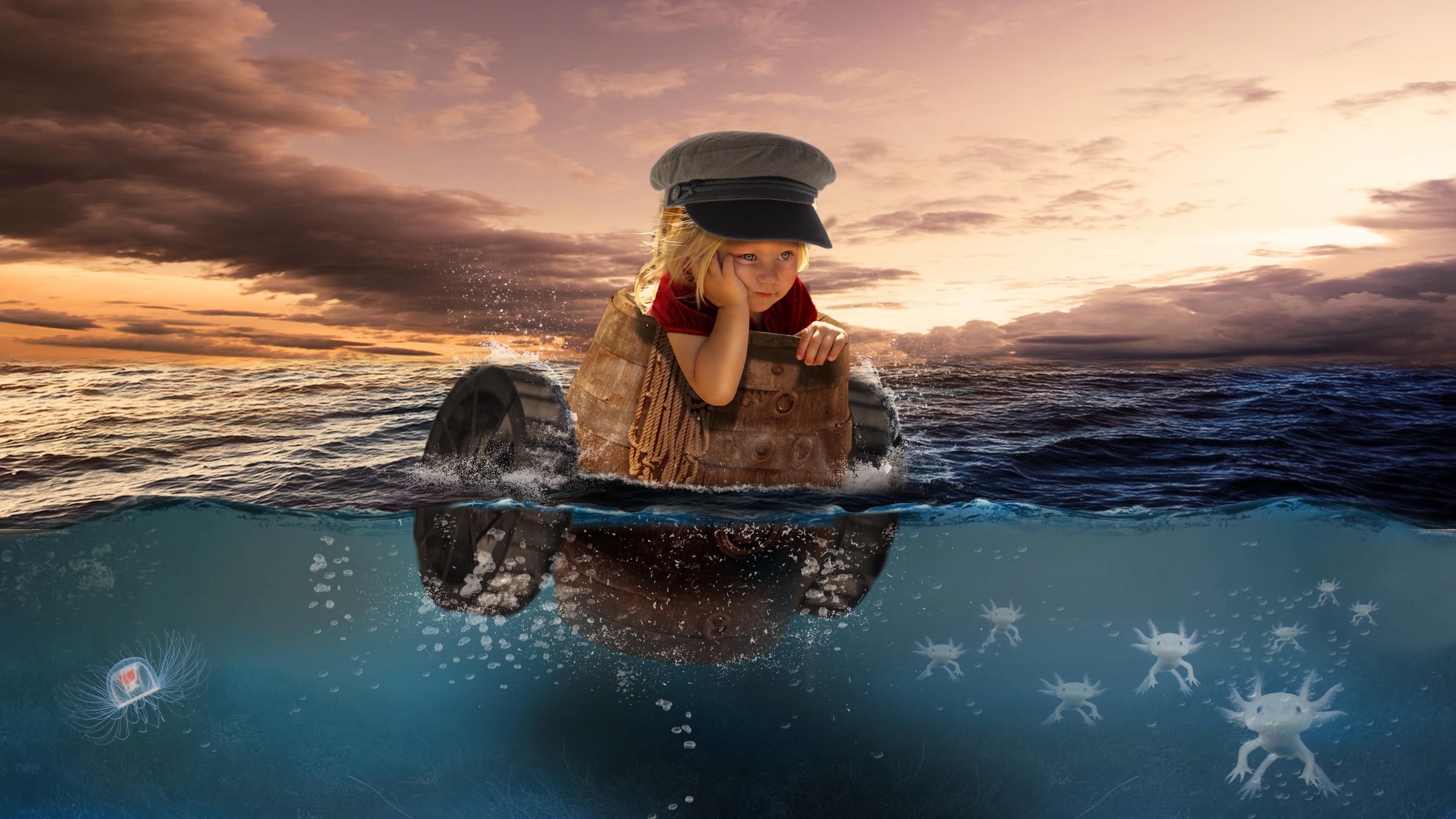 Обои закат, море, девочка, бочка