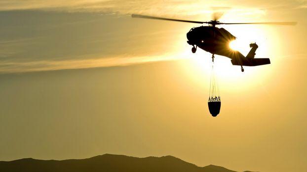 Бесплатные фото вертолет,пожарный,винты,полет,корзина,небо