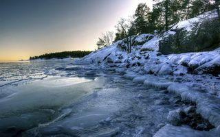 Бесплатные фото зима,озеро,лед,берег,холмы,деревья,снег