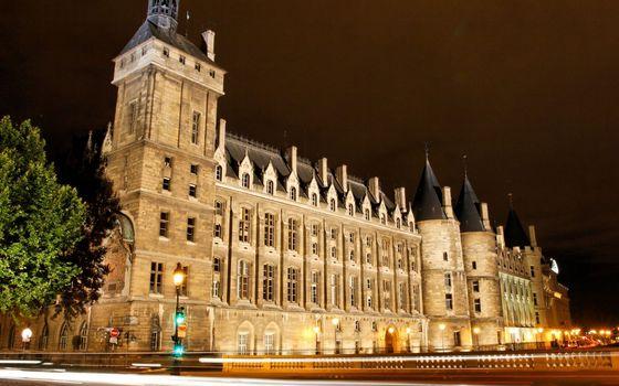 Фото бесплатно ночь, замок, окна