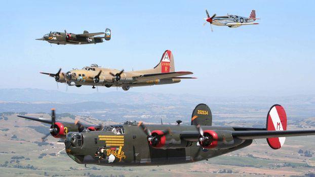 Бесплатные фото военные самолеты,бомбардировщики,истребитель,винты,крылья,пулеметы,полет