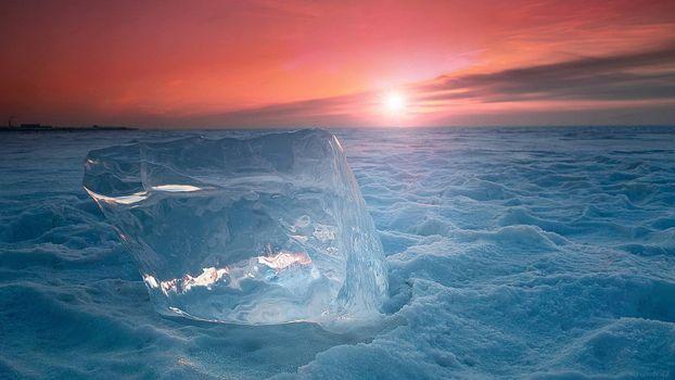 Фото бесплатно север, поле, снег, кусок льда, горизонт, солнце, закат, небо