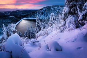 Бесплатные фото закат,зима,озеро,горы,холмы,деревья,пейзаж