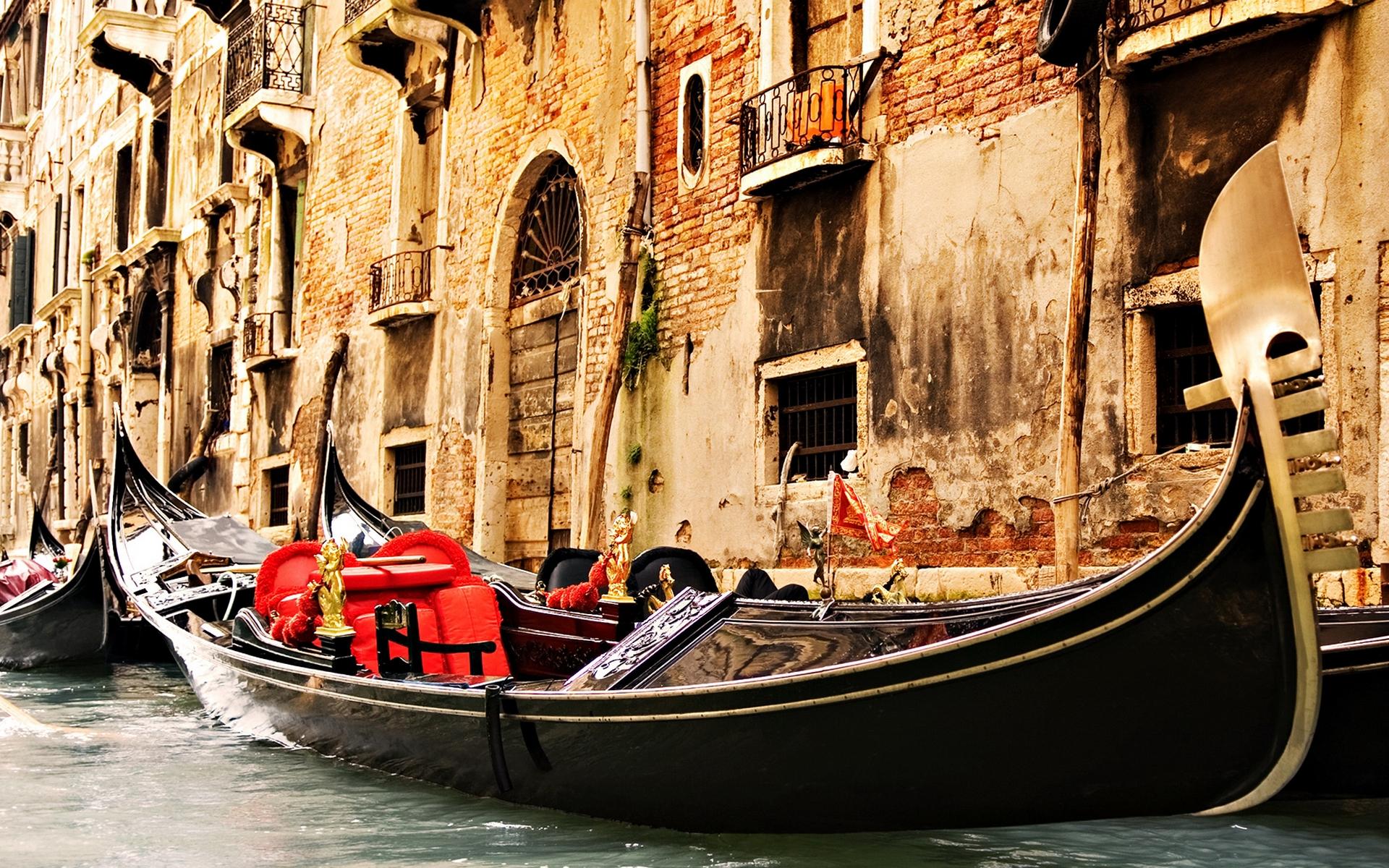 Венеция, канал, гондолы