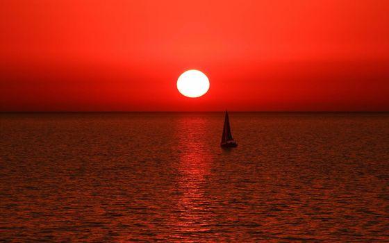 Фото бесплатно парусник на закате солнца, красное небо, рябь, океан, горизонт, даль