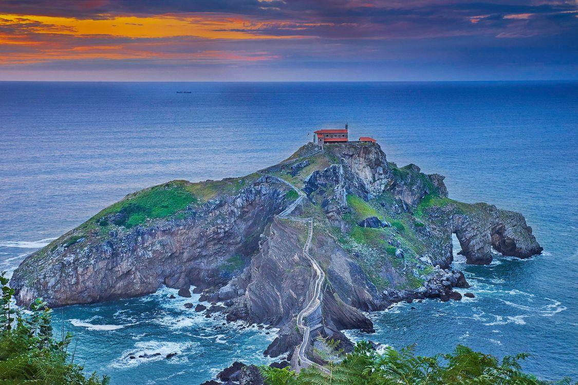 Фото бесплатно Гастелугаче, Бермео, Страна Басков, Испания, островок на побережье Бискайского залива, море, закат, пейзаж, пейзажи