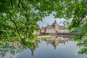 Германия, Вассербург Wasserschloss, Бавария, замок