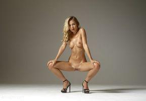 Бесплатные фото Darina L,модель,красотка,голая,голая девушка,обнаженная девушка,позы
