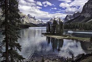 Фото бесплатно Национальный парк Джаспер, Maligne Lake, Остров Дух