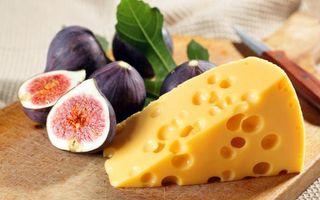 Бесплатные фото сыр,дырочки,тропический плод,листья,доска,нож