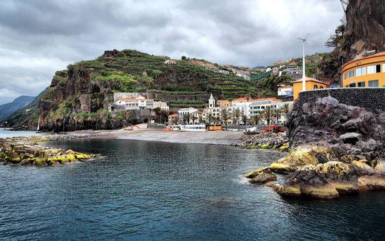 Фото бесплатно побережье, горы, дома