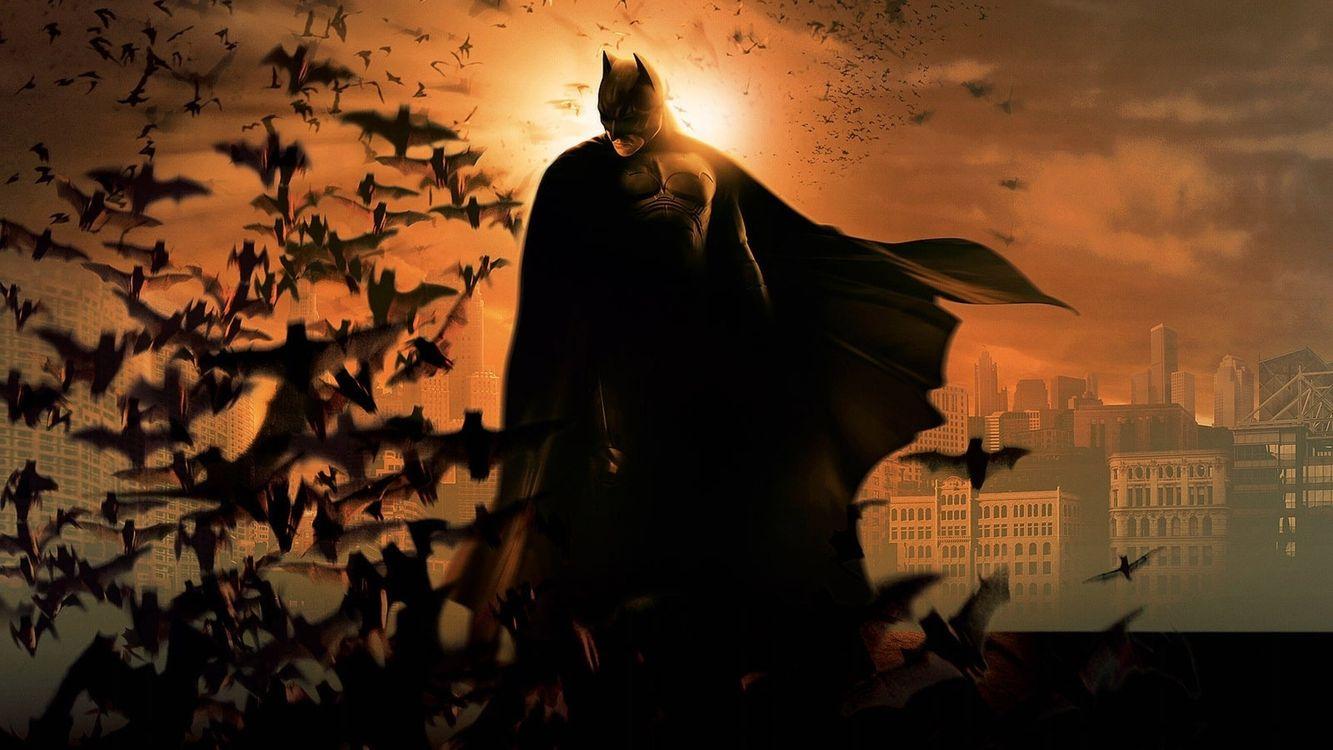 Фото бесплатно бэтмен, супергерой, ночь, дома, крыша, летучие мыши, мультфильмы