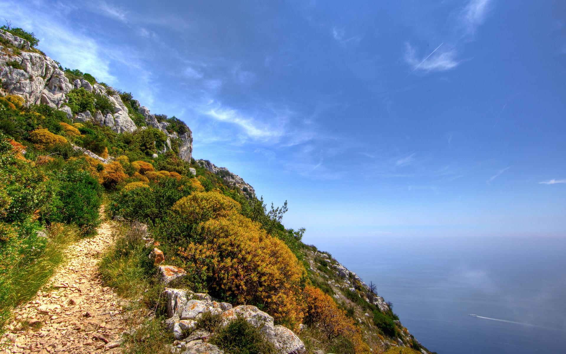 горы скала море скачать
