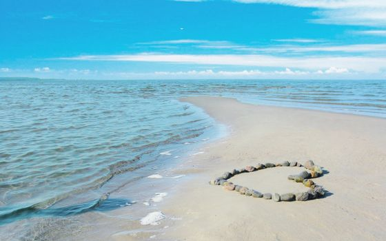 Бесплатные фото море,берег,лазурная вода,сердце