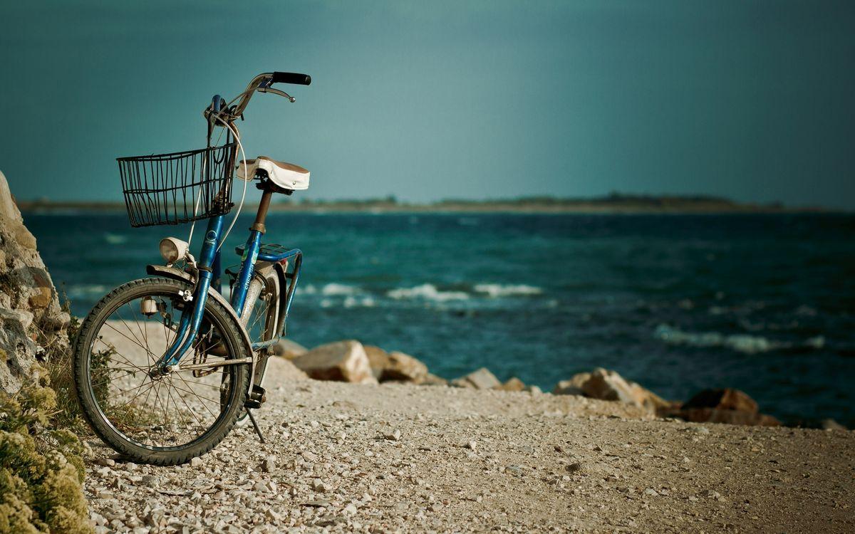 Фото бесплатно берег, камни, велосипед, море, волны, небо - на рабочий стол