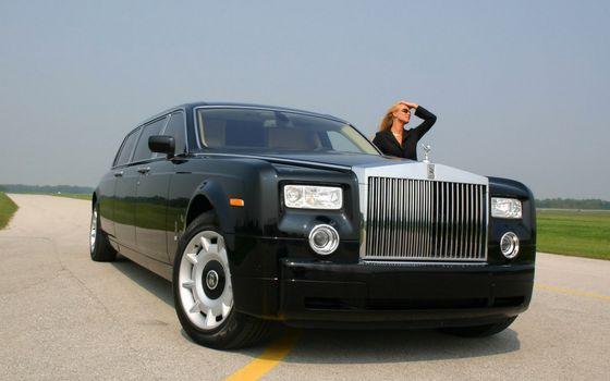 Бесплатные фото ройс ройс,лимузин,черный,фары,решетка,диски,девушка