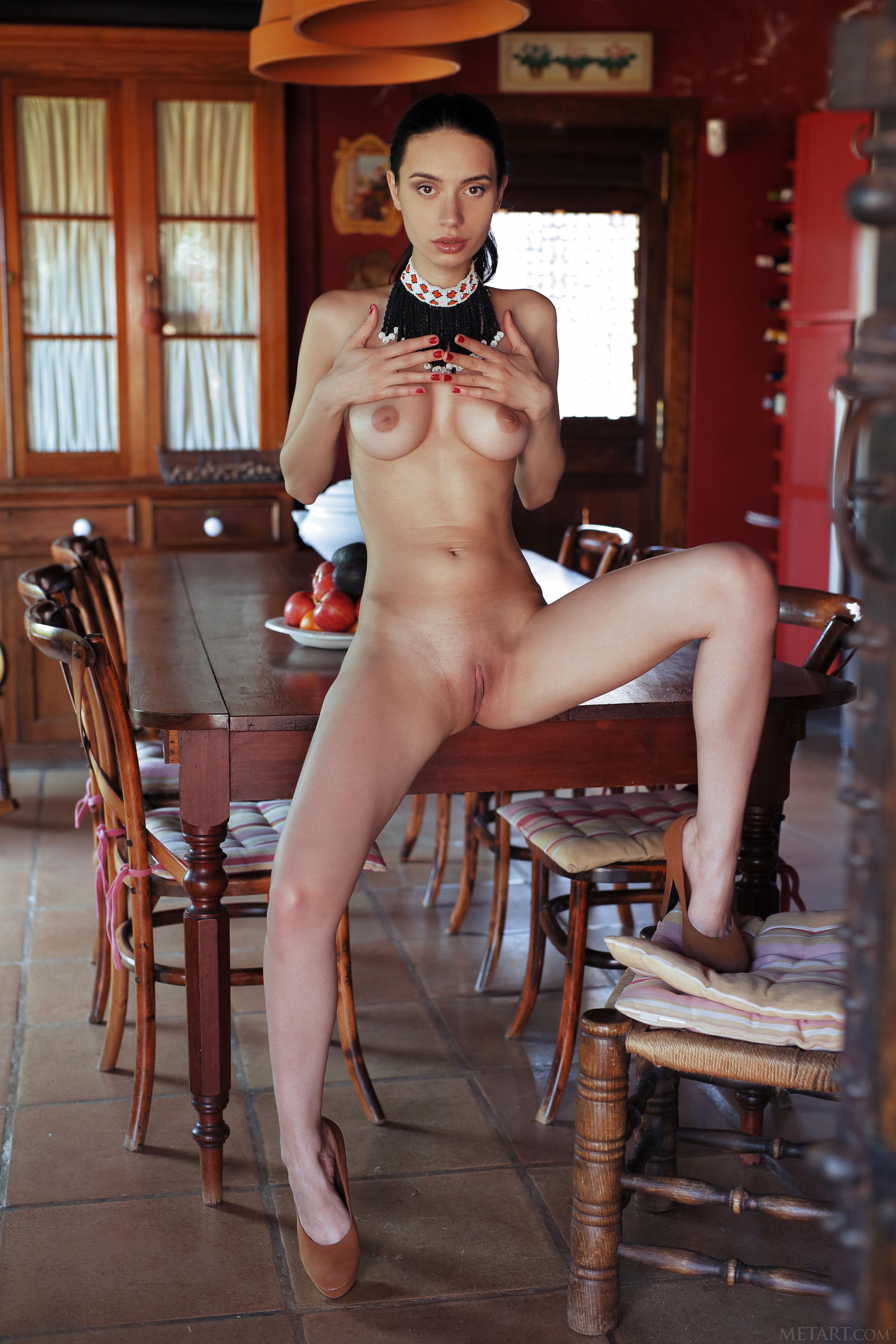 обои Dita V, модель, красотка, голая картинки фото