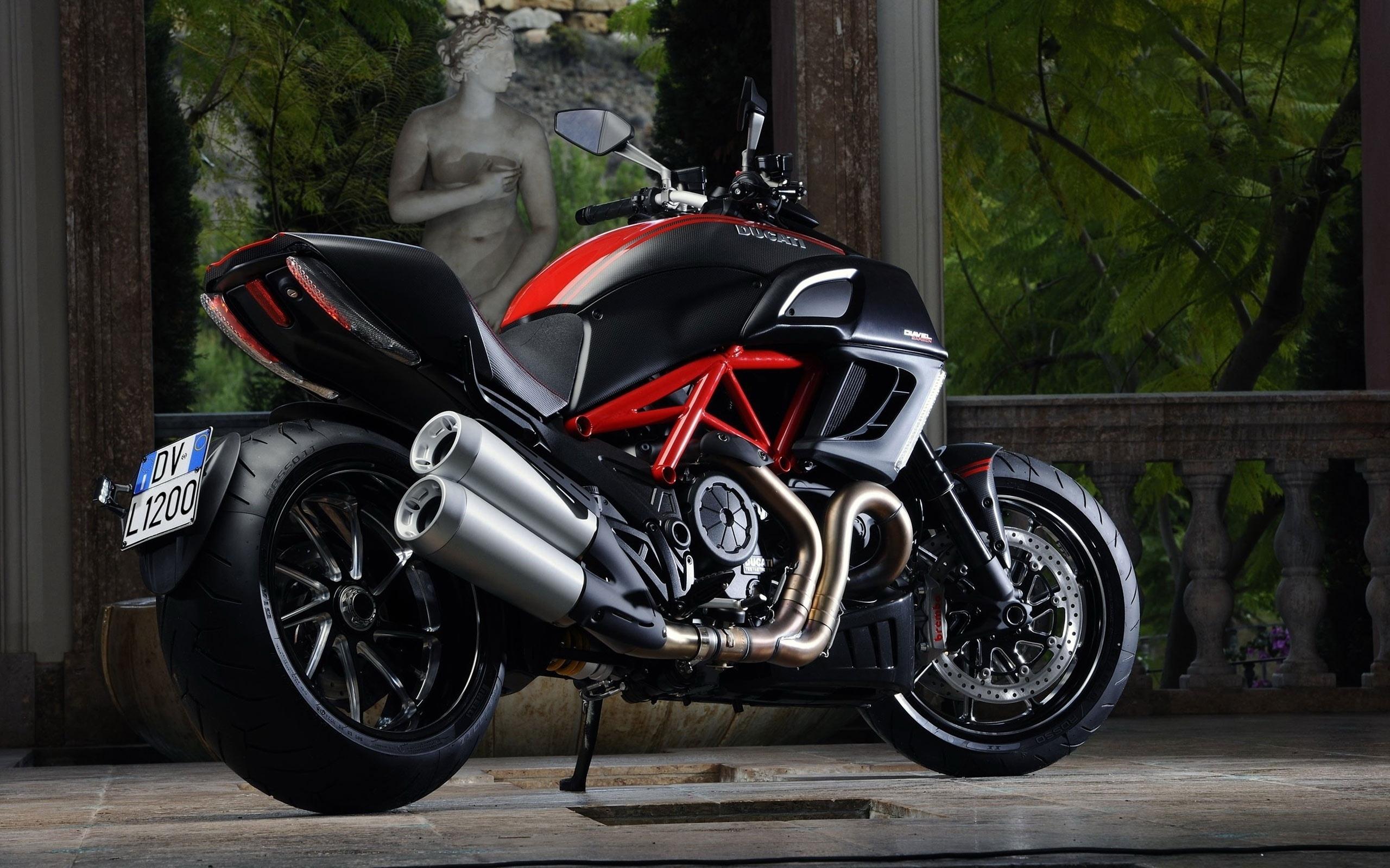 Обои спортивный мотоцикл