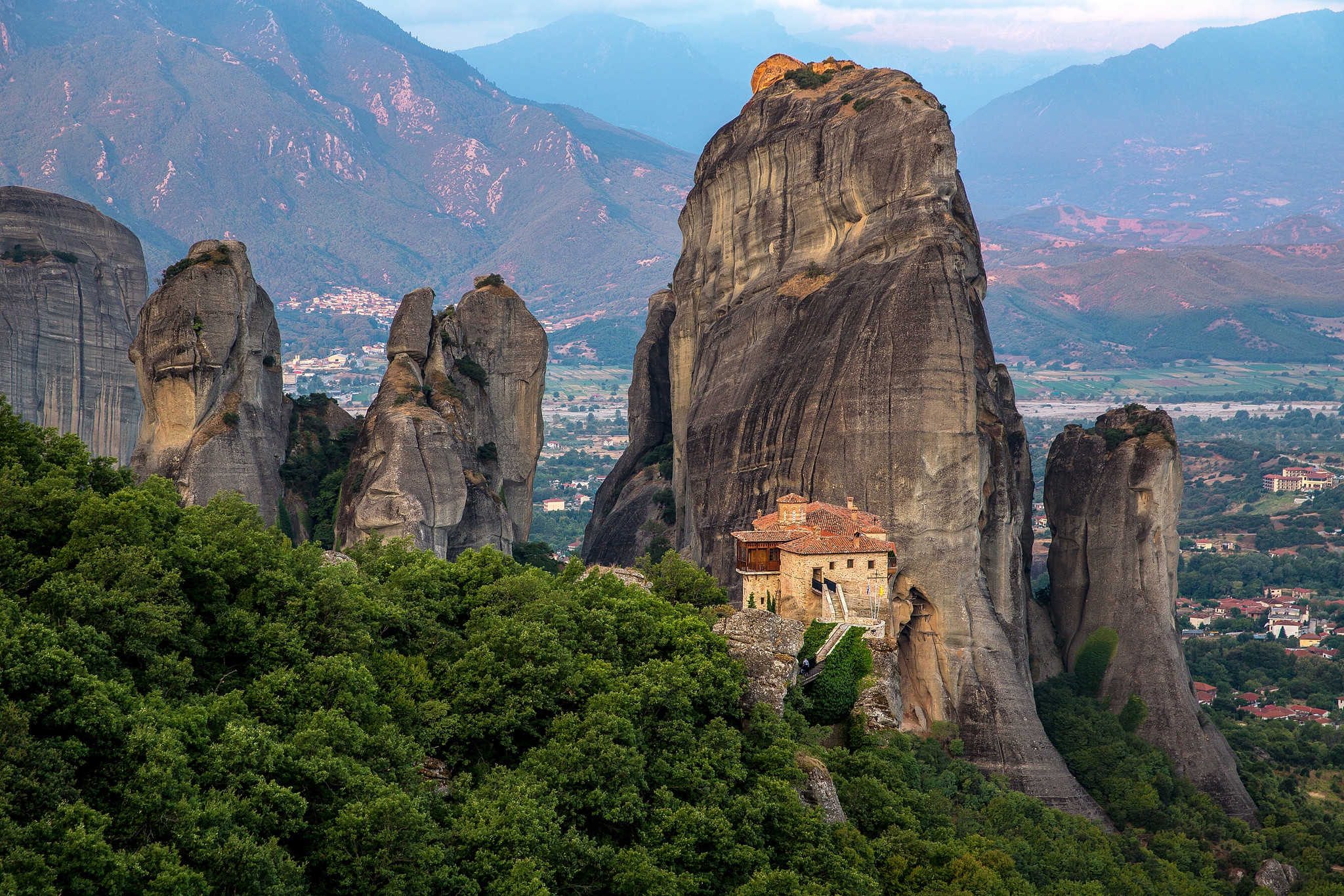 обои The Monastery of RousanouSt Barbara, Meteora, Greece картинки фото