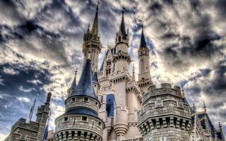 Обои замок, башни, флюгера, кладка, камень, небо, облака