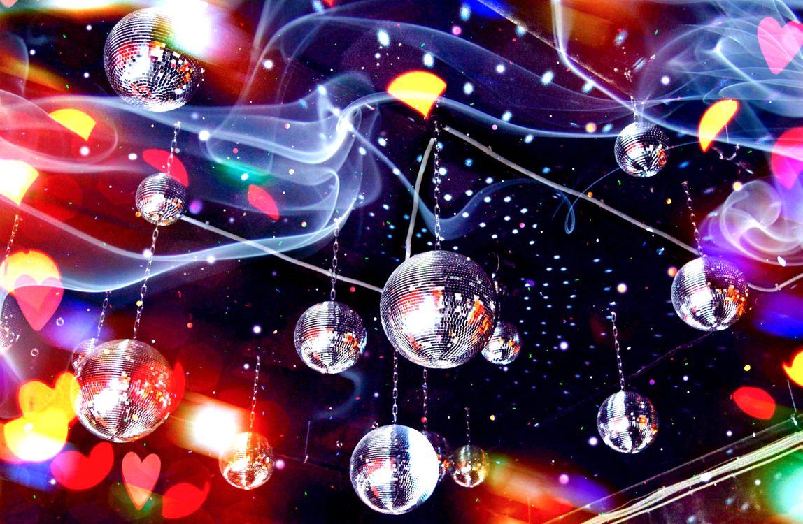 Фото бесплатно клуб, потолок, зеркальные шары - на рабочий стол
