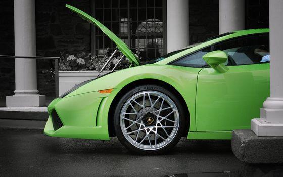 Фото бесплатно ламборджини, зеленая, багажник открыт