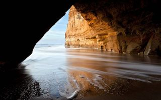 Бесплатные фото гора,скала,пещера,берег,море,небо