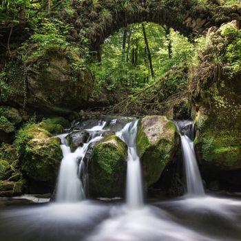 Бесплатные фото Люксембург,Швейцария,Мюллерталь,река,лес,деревья,мост,водопад,природа,пейзаж