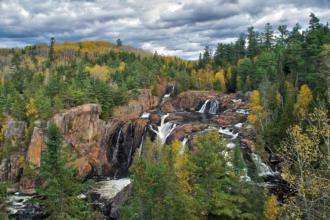 Фото бесплатно aubrey falls provincial park, ontario, осень, река, водопад, деревья, скалы, природа, природа