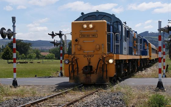 Фото бесплатно поезд, железная дорога, светофоры