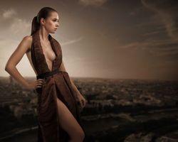 Бесплатные фото девушка, красотка, модель, море, берег, настроение, красивое платье