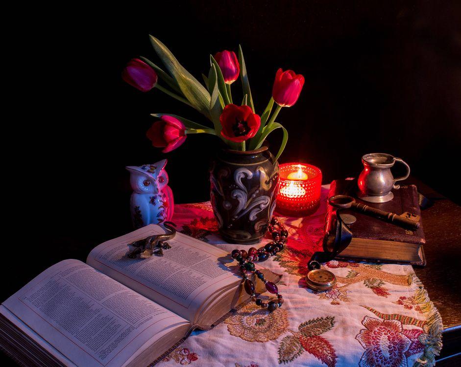 Фото бесплатно свеча, ваза, цветы - на рабочий стол