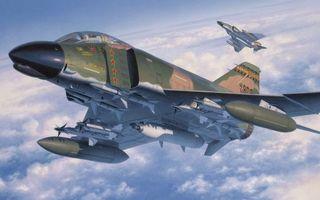 Фото бесплатно самолеты, кабина, пилот, крылья, ракеты, вооружение, полет, облака
