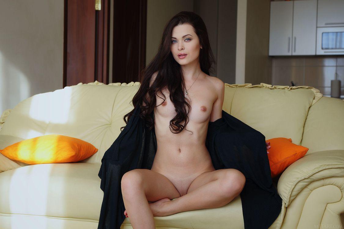 Фото бесплатно Amelie B, красотка, голая, голая девушка, обнаженная девушка, позы, поза, сексуальная девушка, эротика, эротика
