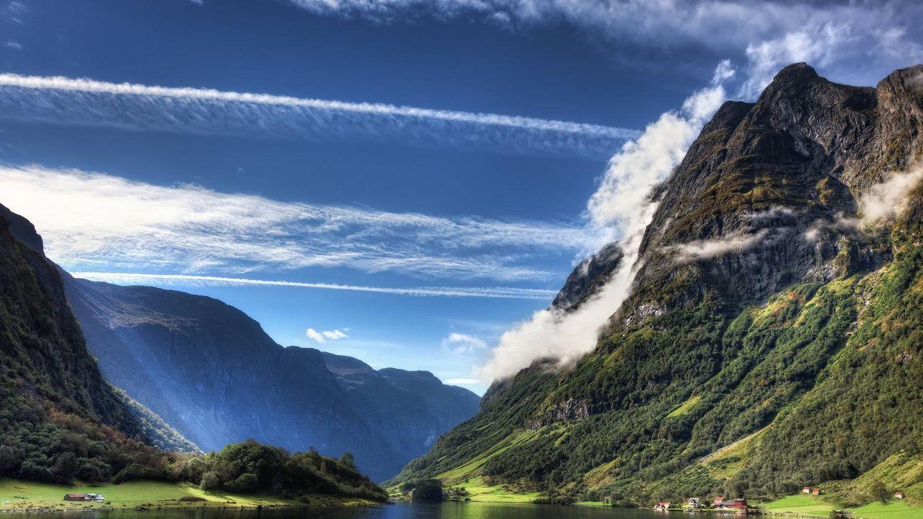 Фото бесплатно лето, горы, растительность, дома, строения, река, облака, пейзажи