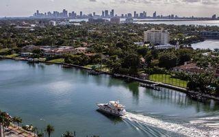 Бесплатные фото река, канал, яхта, берег, улицы, дома, деревья