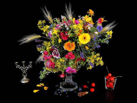 Фото бесплатно цветы, ваза, черешня, натюрморт