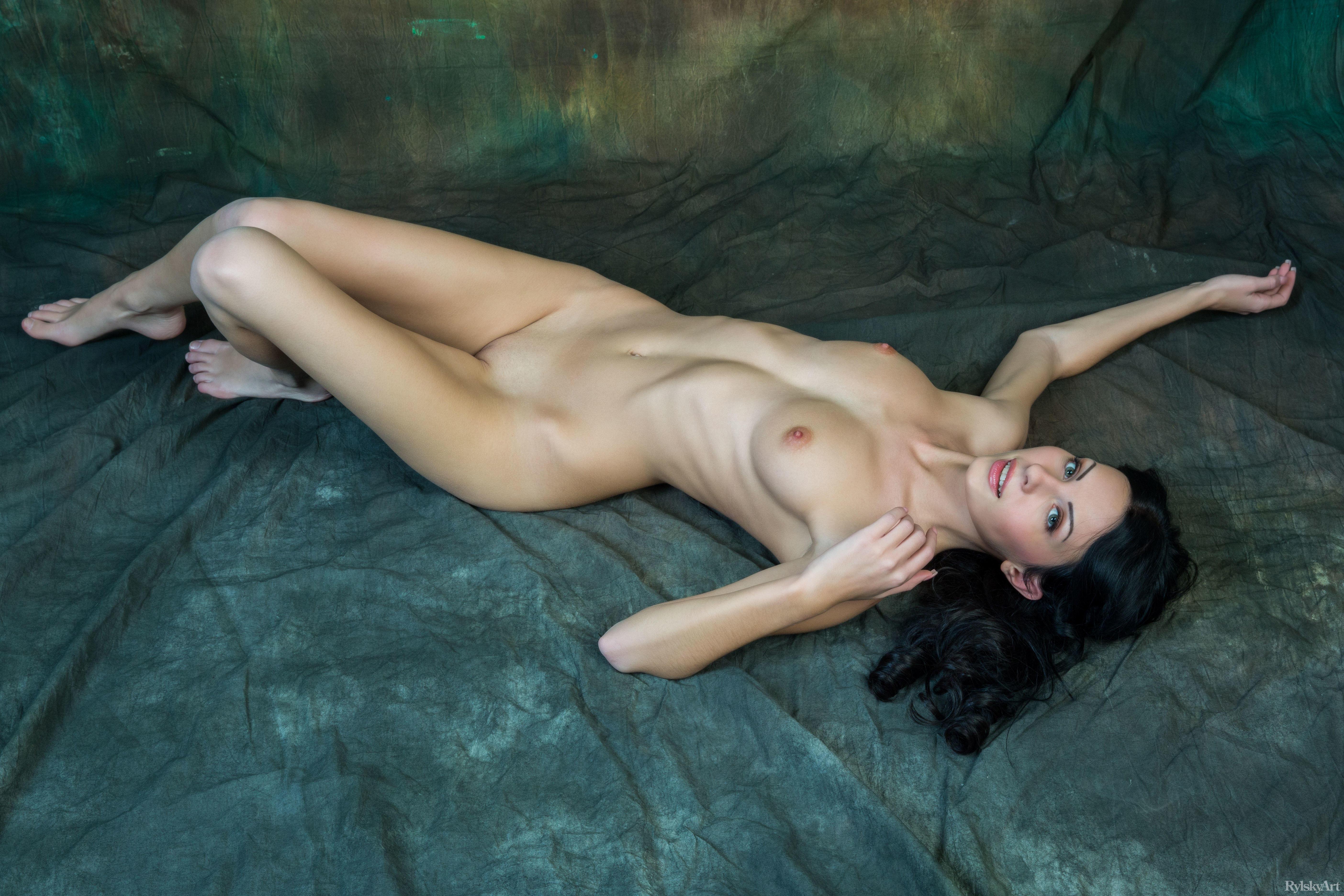 sex-beast-rafaella-nude-shakeela