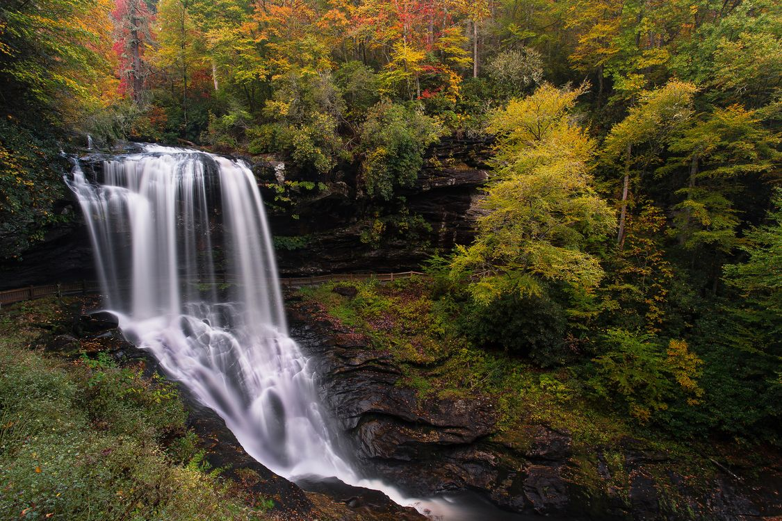 Фото бесплатно осень, водопад, скалы, лес, деревья, природа, природа