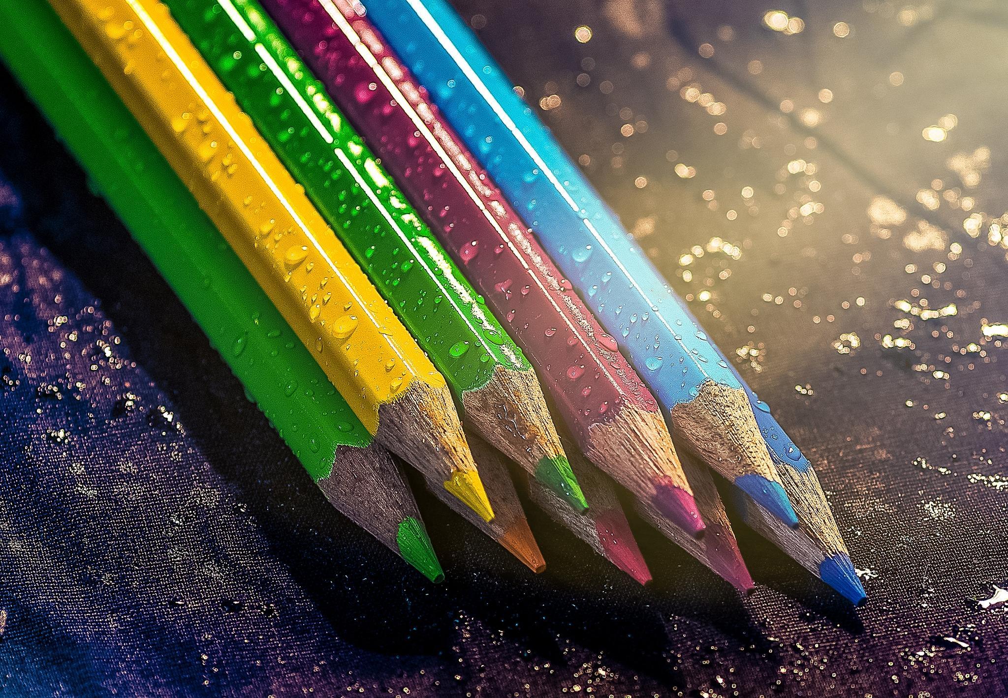 Обои карандаши, цветные, колорит