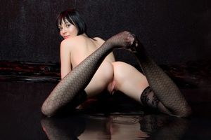 Бесплатные фото Lo Lynn,модель,красотка,голая,голая девушка,обнаженная девушка,позы