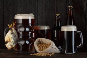 Заставки пиво, бочка, бокалы, кружки, пена, ячмень, вобла, напиток
