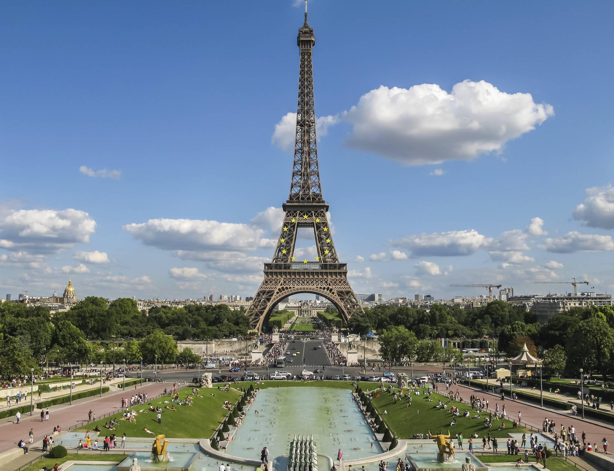 похороны покажи картинку эйфелевой башни когда-то давно остановился