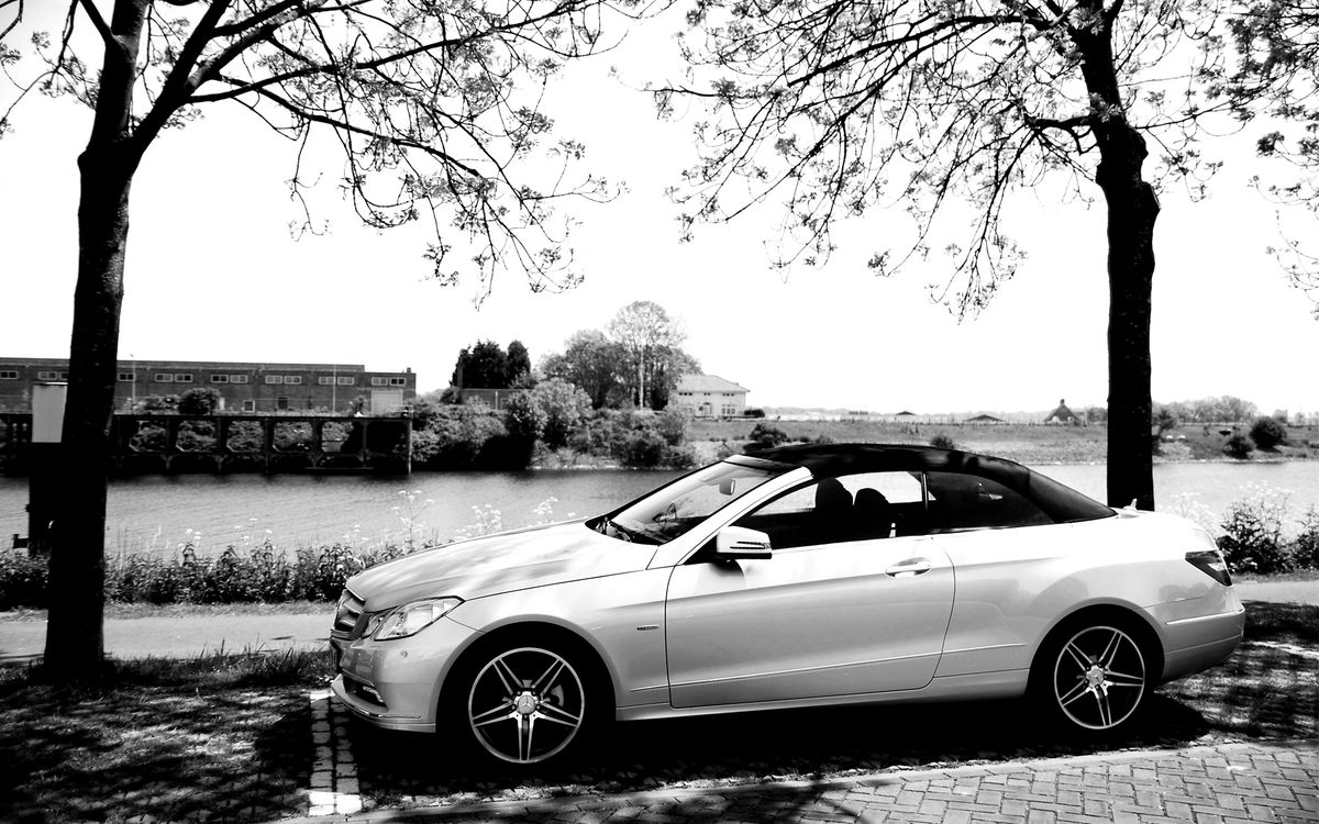 Photos for free Mercedes, cabriolet, paving stones - to the desktop